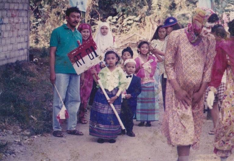Bapak, Mama, Mba Farah dan Aku. :D